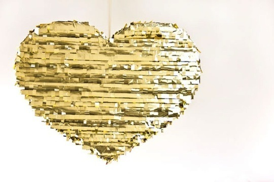 diy-gold-heart-pinata_rect540
