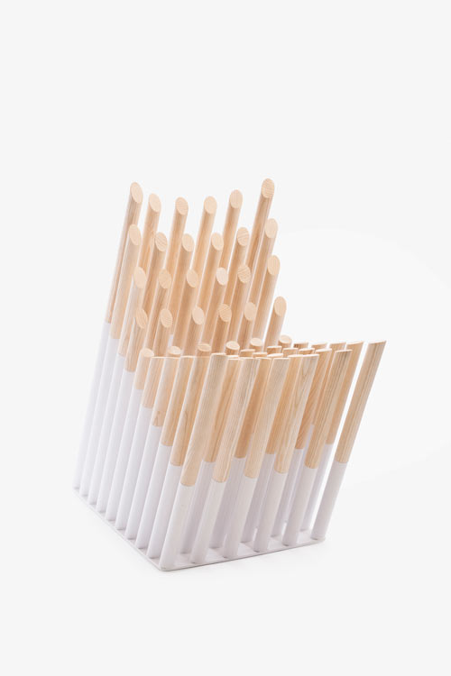 spike-wooden-chair-rods-alexander-lervik-side