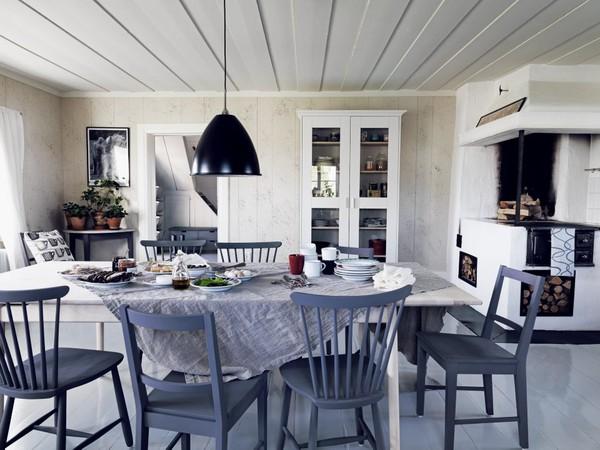 bord-med-utdrag-stol-bas-pinnstol-hoga-skap-och-bord-halvcirkel_163535391