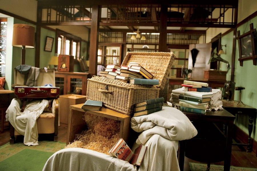 item6.size.0.0.great-gatsby-movie-set-design-05-nick-carraway-cottage-interior