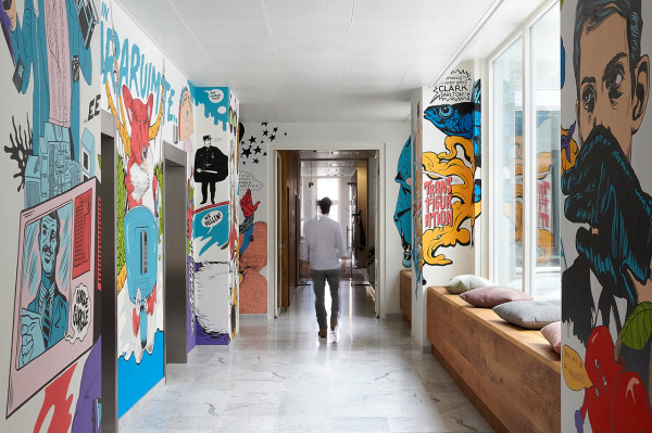JWT-Amsterdam-Office-8-Hallway-600x399