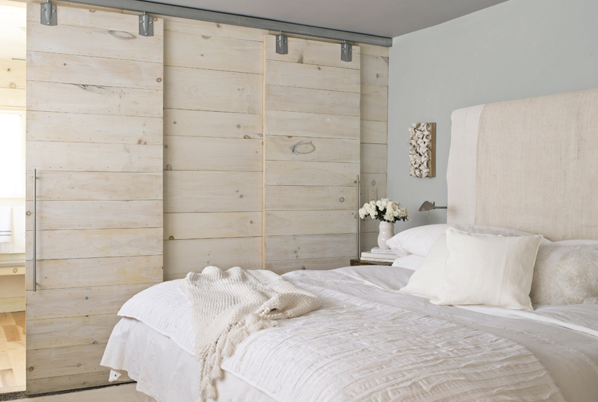 pure-and-simple-guest-bedroom-0213-xln