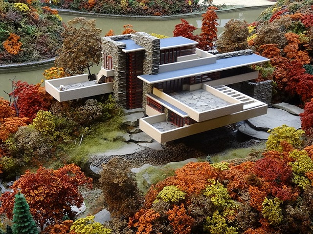 Fallingwater_miniature_model_at_MRRV,_Carnegie_Science_Center