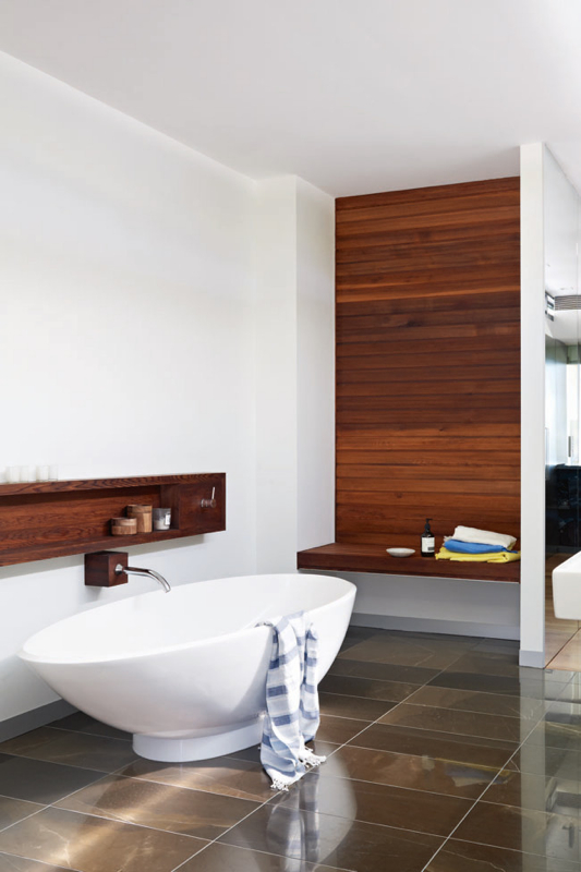 wood-wall-home-of-lucy-fenton-photo-lucas-allen