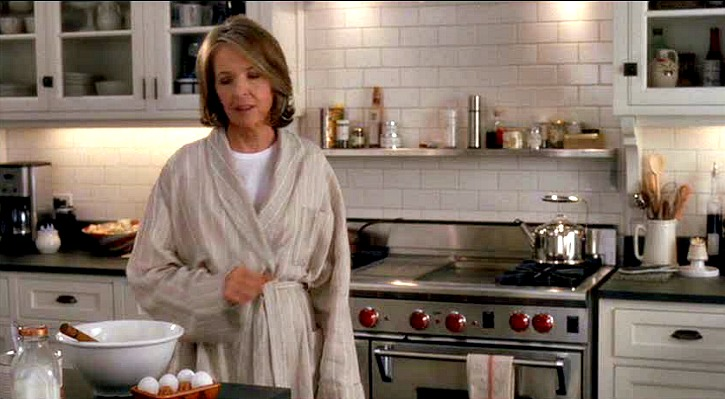 Diane-Keaton-in-Somethings-Gotta-Give-kitchen