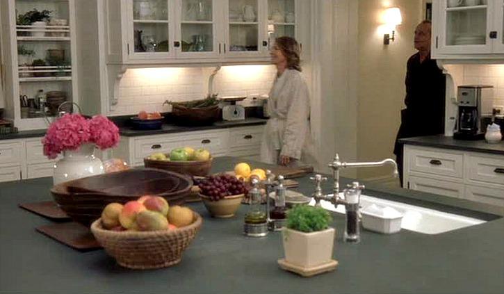Somethings-Gotta-Give-kitchen-island