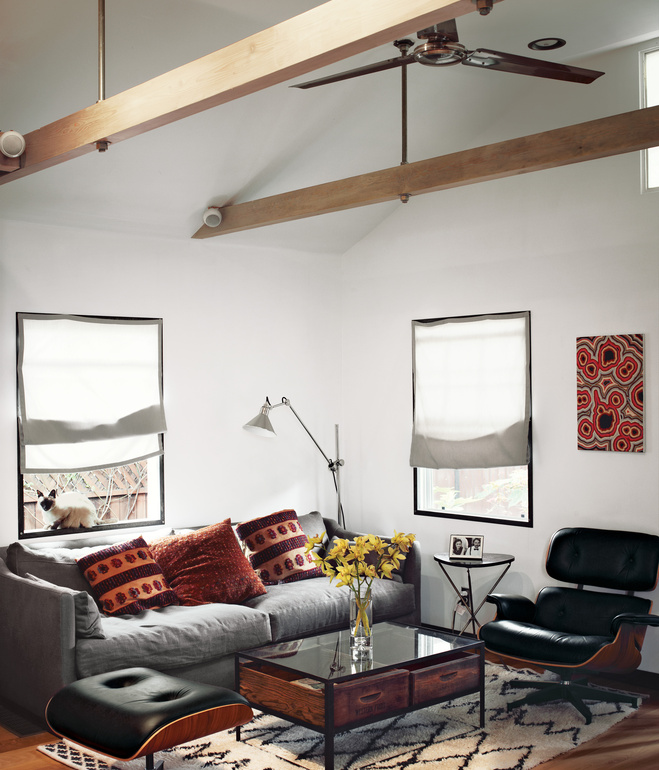 hollywood-cabin-living-room