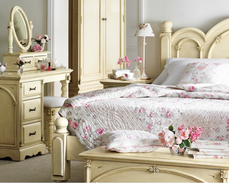 Heritage Shabby Chic Painted Bedroom Furniture-750x600
