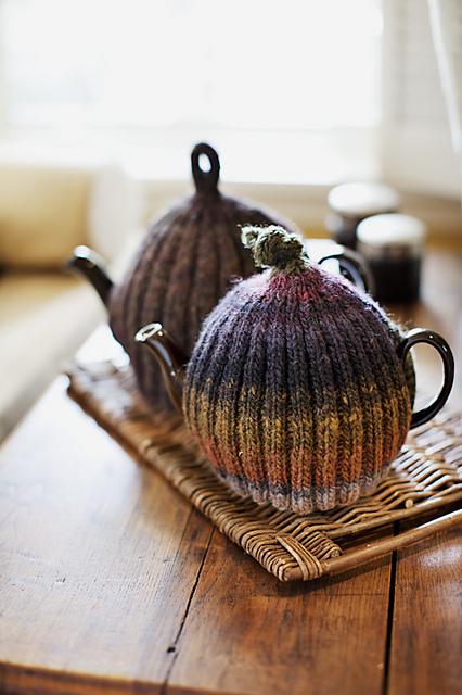 Ribbed-tea-cozy2_medium2
