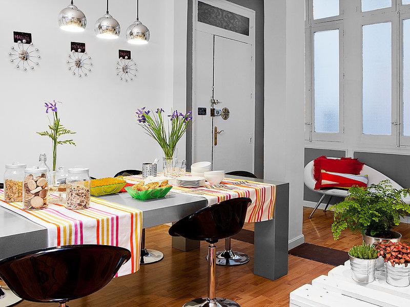 salon-comedor-y-recibidor-comparten-espacio_ampliacion