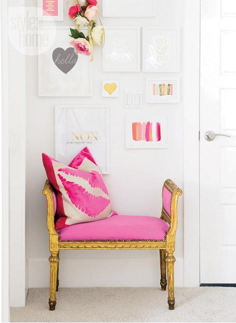 interior-white-beige-gallerywall