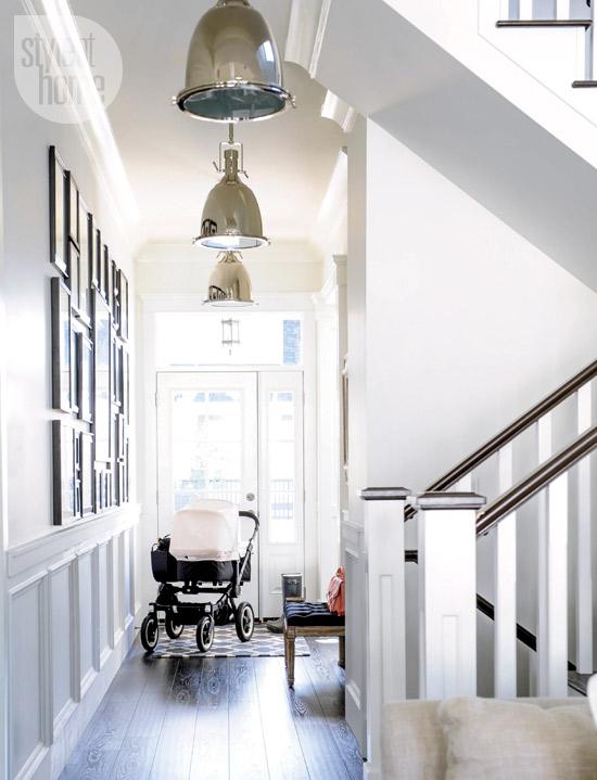interior-whitebeige-hallway