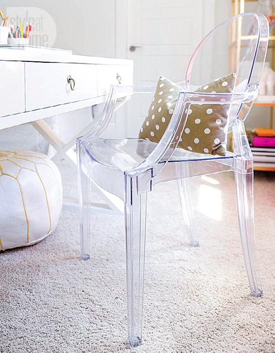 interior-whitebeige-officechair