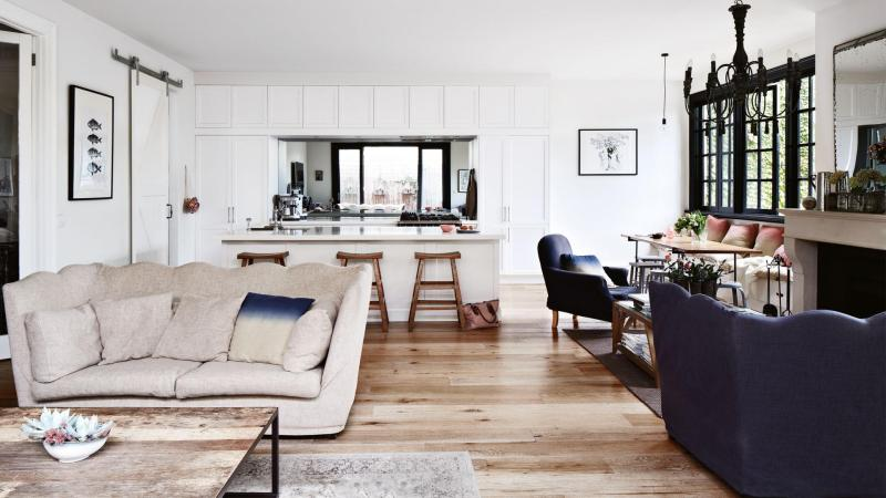 angela-mcdonald-home-french-inspired-living-room-20141119161139~q75,dx1920y-u1r1g0