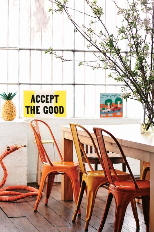 dining-room-mark-tuckey-timber-table-thonet-chairs-saskia-folk-home-mar15-20150303143848~q75,dx1920y-u1r1g0