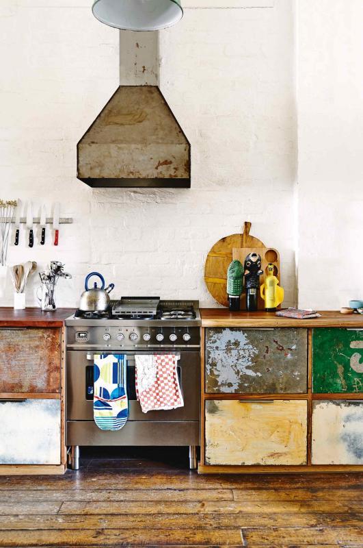 factory-conversion-rustic-kitchen-saskia-folk-home-mar15-20150303142640~q75,dx1920y-u1r1g0