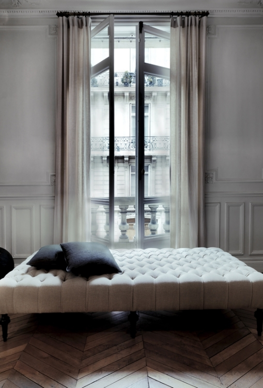 gb_-window_and_chaise
