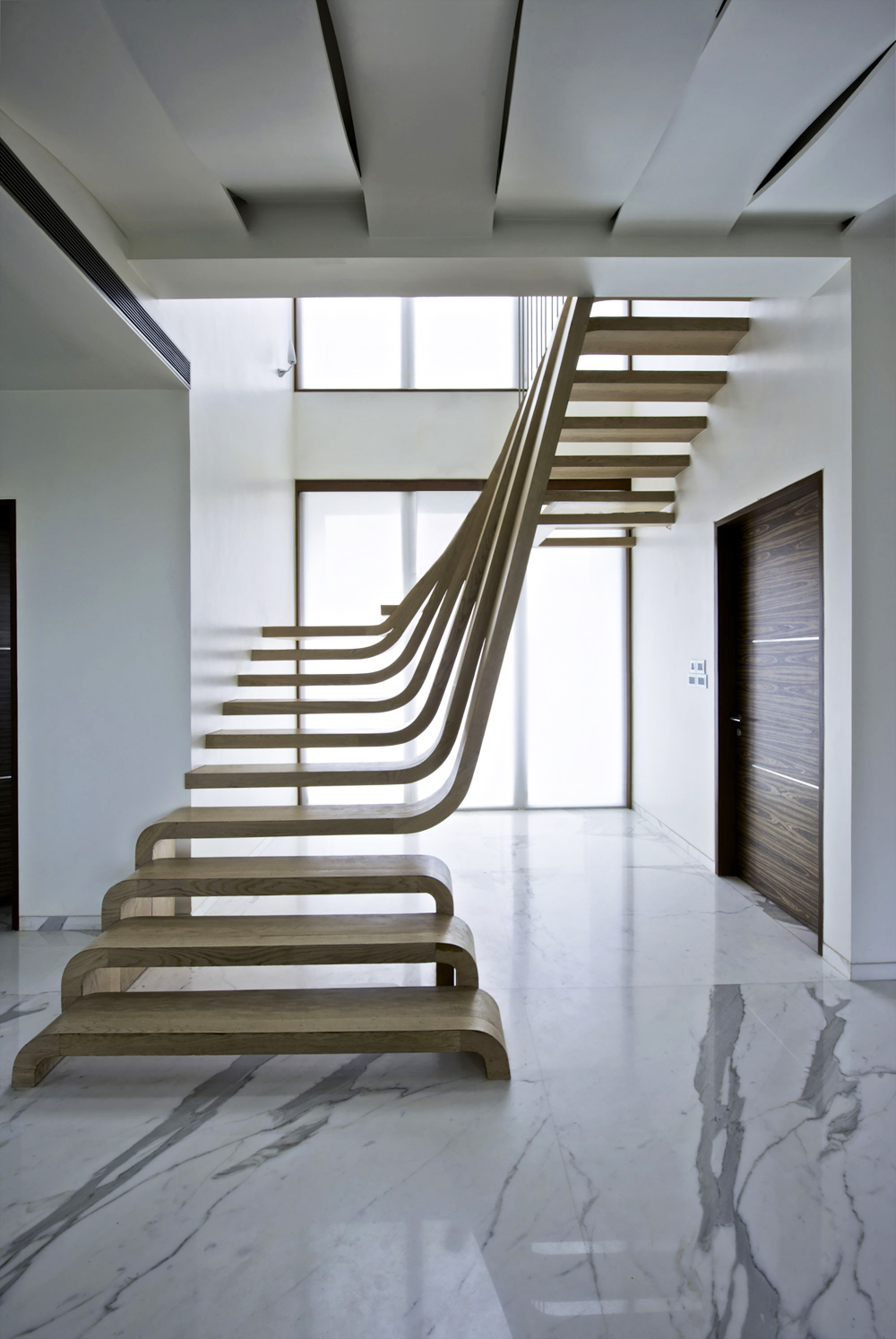 Oracle-Fox-Sunday-Sanctuary-Feature-Staircase-Interior-Tour-29