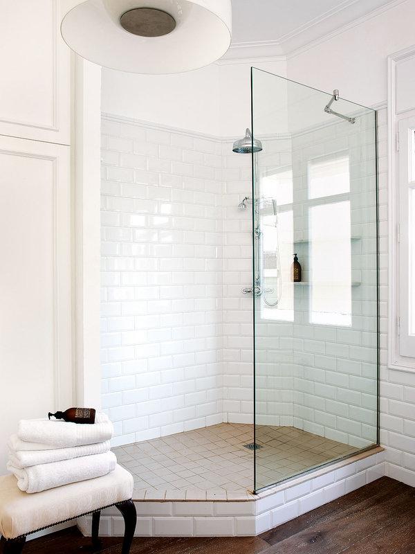 azulejo-blanco-en-la-ducha_ampliacion