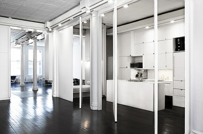 Un-loft-en-noir-et-blanc-FrenchyFancy-3