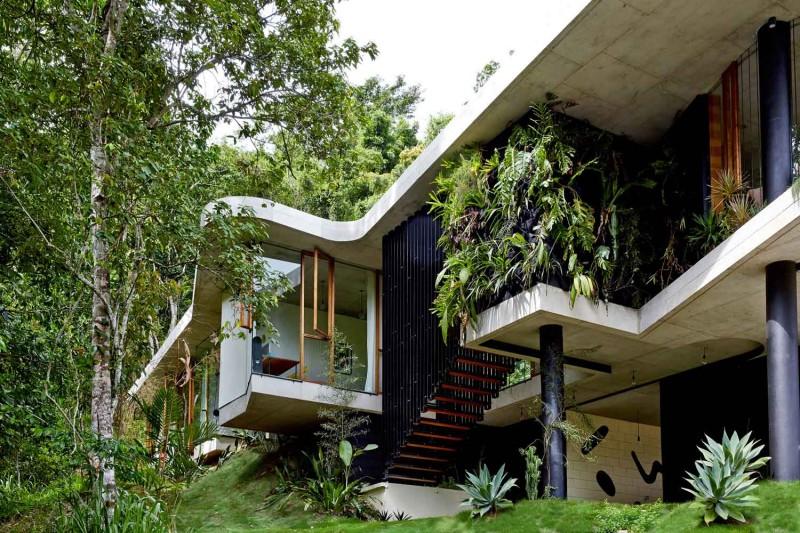 Planchonella-House-Jesse-Bennett-Architect-Yellowtrace-01