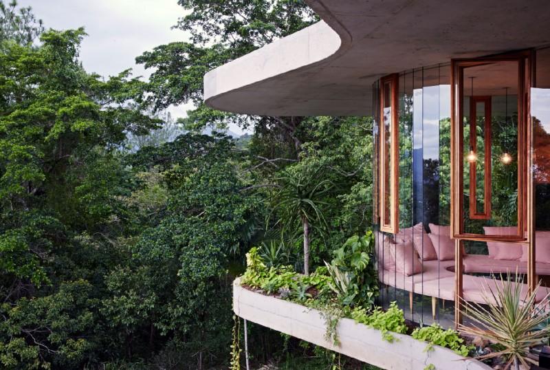 Planchonella-House-by-Jesse-Bennett-Architect-Yellowtrace