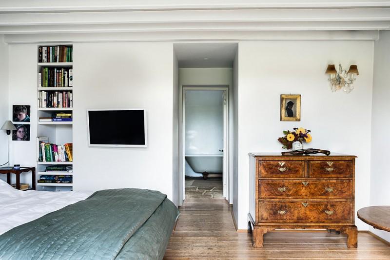 henriques-barn-bedroom-door