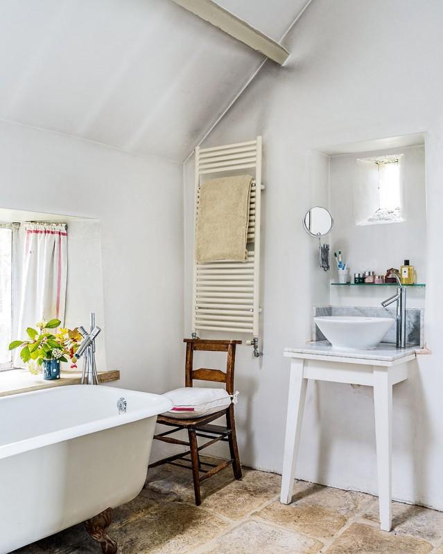 henriques-barn-countyr-bathroom