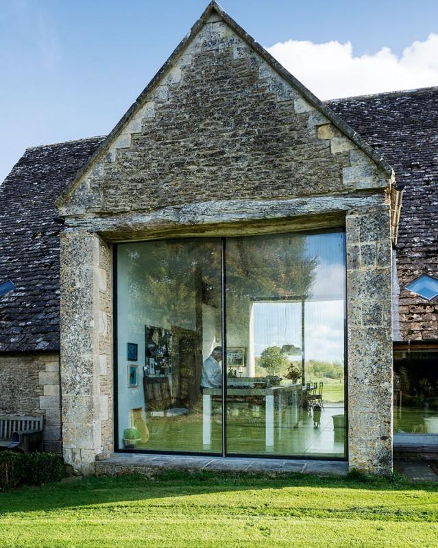 henriques-barn-glazed-exterior