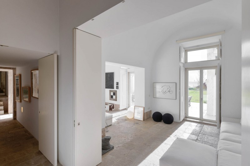 Oracle-Fox-Sunday-Sanctuary-Industrial-Interior-Concrete-Wood-Minimal-13