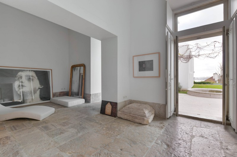 Oracle-Fox-Sunday-Sanctuary-Industrial-Interior-Concrete-Wood-Minimal-21