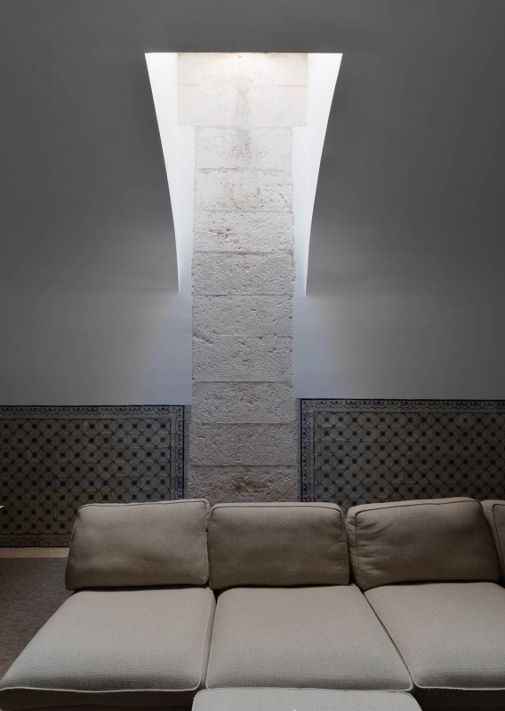 Oracle-Fox-Sunday-Sanctuary-Industrial-Interior-Concrete-Wood-Minimal-27