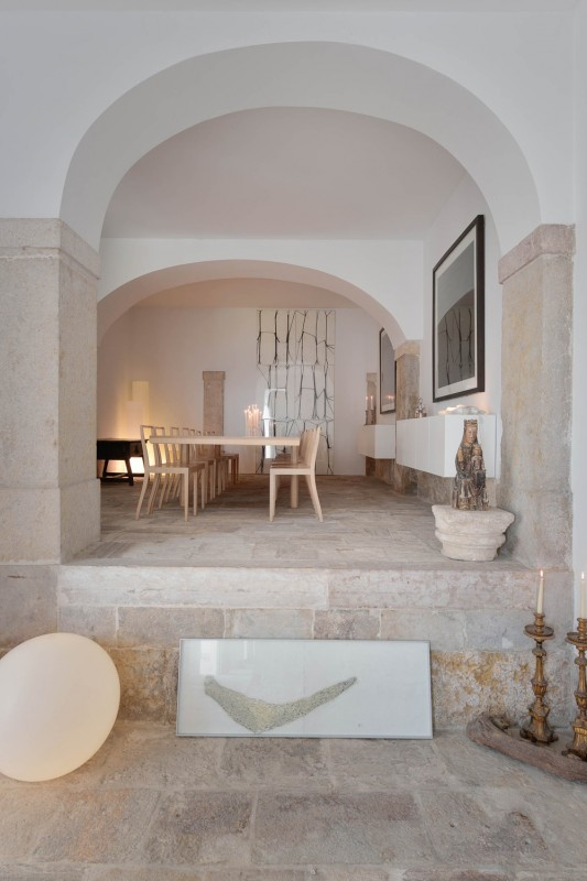 Oracle-Fox-Sunday-Sanctuary-Industrial-Interior-Concrete-Wood-Minimal-8