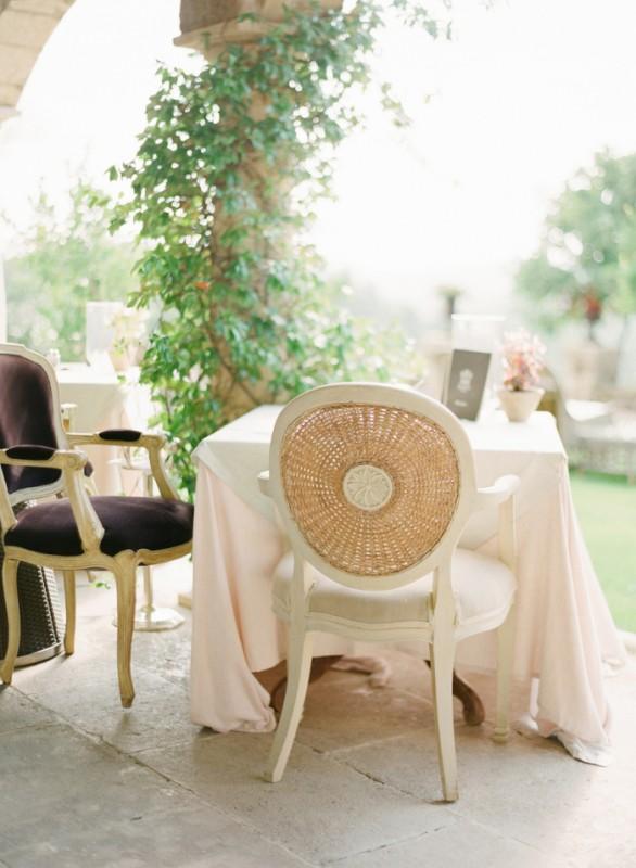 Dining-Outside-at-the-Borgo-Santo-Pietro-700x955