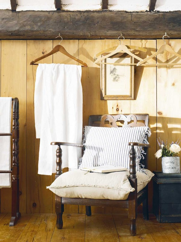 Graham-thatched-cottage-chair-coat-hangers