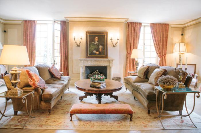 Living-Room-Seating-at-the-Borgo-Santo-Pietro-700x466