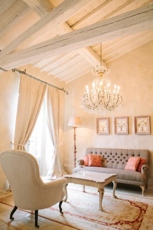Villa-Seating-at-the-Borgo-Santo-Pietro-700x1050