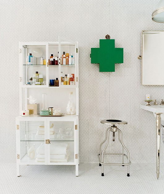 domino-green-swiss-cross-cabinet