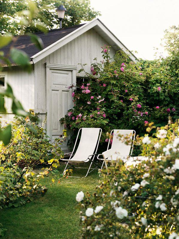 Rosengarden_garden_tradgard_rosor_roses_utemobler_outdoor_furniture_Foto_Petra_Bindel