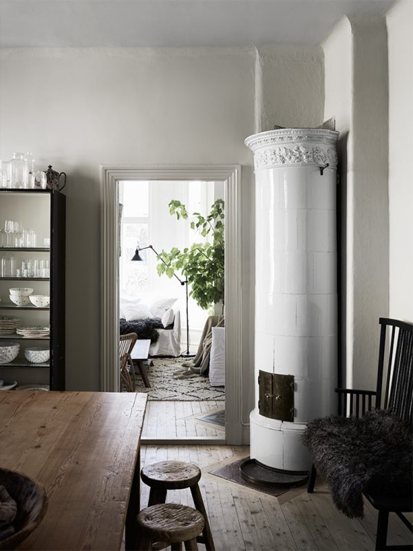 Mix-of-old-and-new-in-a-Scandinavian-home