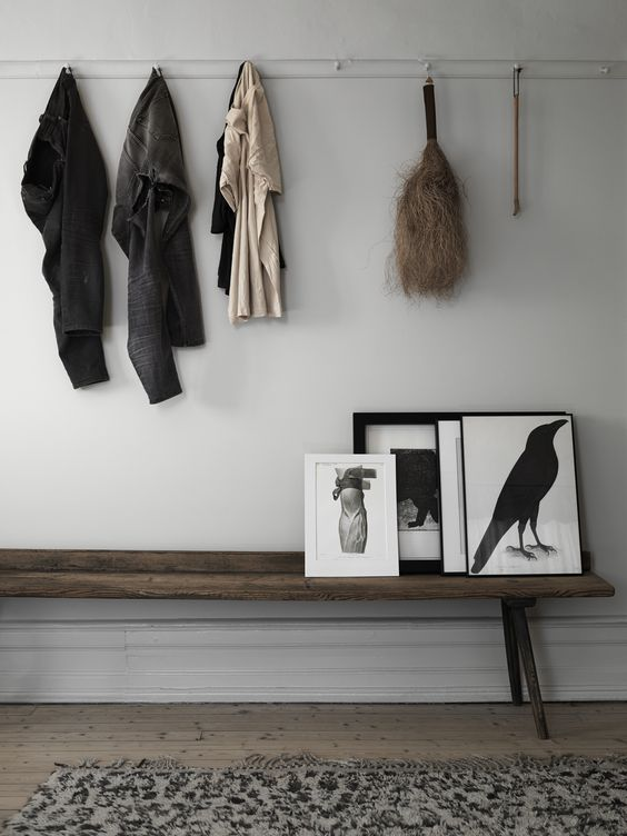 Simple-entry-with-long-wooden-bench