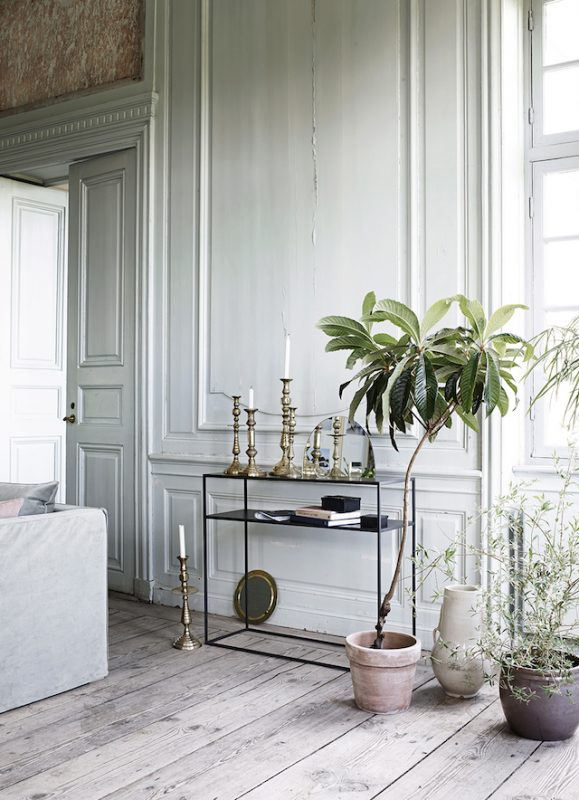 tinekhome_aw16_metcon100_candle-old-brass_claypot copy