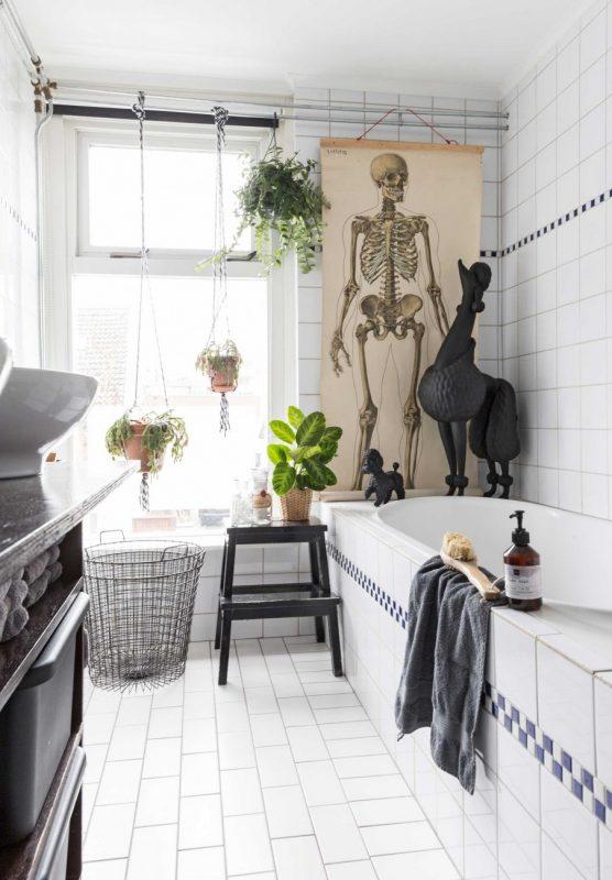 11-badkamer-skelet-poster