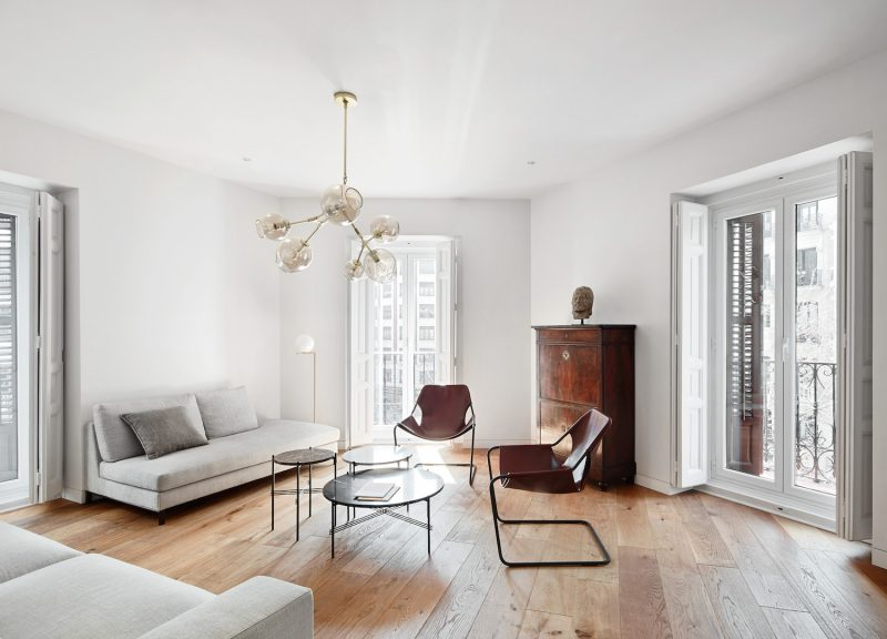 Madrid apartment by Lucas y Hernández-Gil