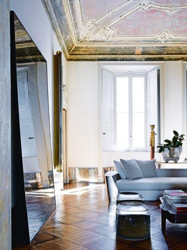 A_Milanese_palazzo_of_Vincenzo_de_Cotiis-2