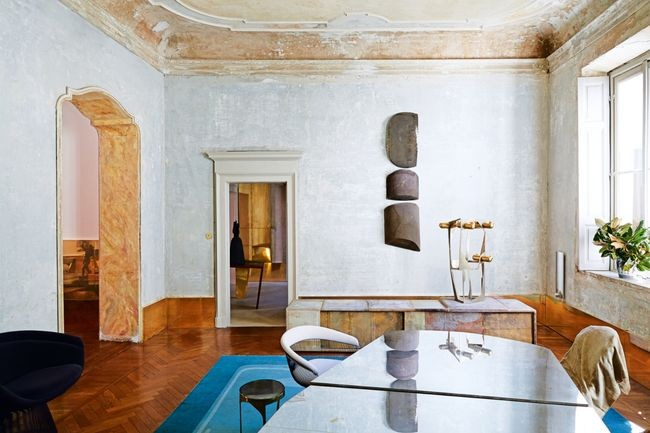 A_Milanese_palazzo_of_Vincenzo_de_Cotiis-9